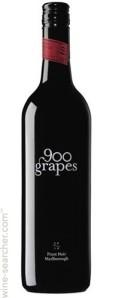 900-grapes-pinot-noir-marlborough-new-zealand-10618267